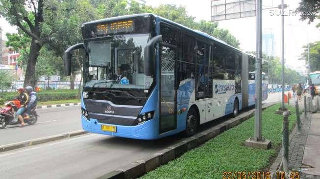 Transjakarta-Menambah-Jam-Operasi-Bus-Untuk-Mengantisipasi-Lonjakan-Penumpang.jpg