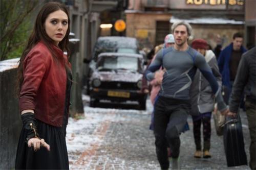 Avengers-Age_of_Ultron-Elizabeth_Olsen-Aaron_Taylor-Johnson-002 (800x533)