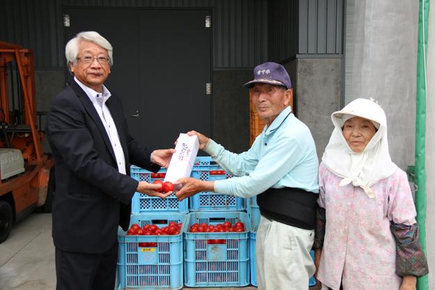 20150810トマト受入れ