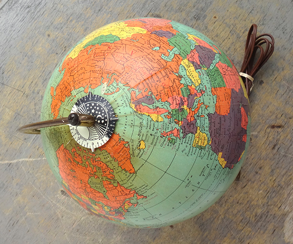 globelamp05.jpg