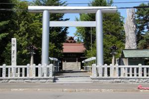 10153芦別神社300