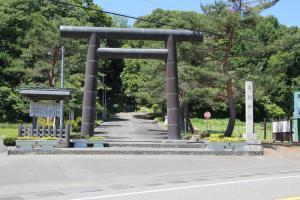 10168義経神社300