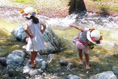 双子ちゃん川遊び