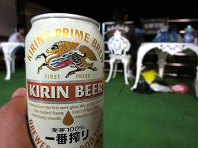 ビールを飲みつつ花火見物
