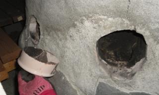 201412 露天風呂の煙道のメンテ孔