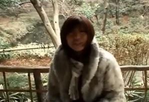 南原香織初裏ミニスカ網タイツで露出FC2動画