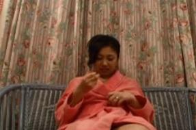 使ったことはあるもののそのパワーに驚嘆の声を上げる三十路美熟女篠原たまきFC2動画