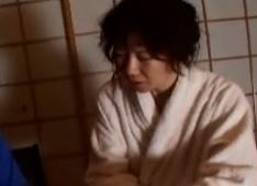 シャワーで汗を流す四十路淫女東条水紀FC2動画