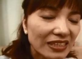 キュッと締まったウエストとダイナマイトなヒップの四十路熟女中上由美子FC2動画