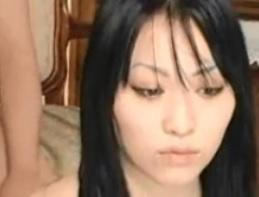 24歳の清純素人嬢ゆりちゃん。彼氏がいるにも関わらず、実は超ド変態の肉かわや器FC2動画