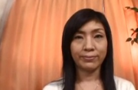 篠宮慶子1970年生まれの熟女初めての複数プレイ前編FC2動画