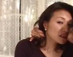 オモチャにされた母中編「貸し出される母」FC2動画