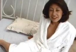 中村智子54歳不倫セックスの興奮と快感SNS等でチヤホヤしてくれる男性五十路FC2動画