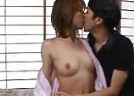 相沢しずか母乳も出るスレンダー三十路FC2動画