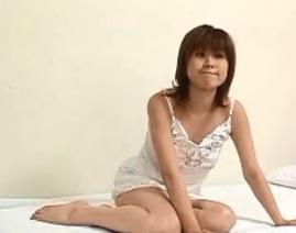 旦那がいながらも他の若い男のペニスをねだる三十路妻FC2動画