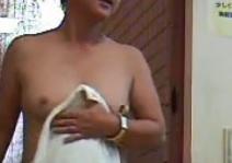 銭湯の脱衣所第10話素人熟女たちのありのままの姿。喜寿(77歳)七十路FC2動画