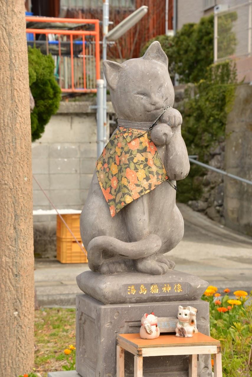 天草の猫島の神様 湯島・猫神(ミョウジン)像