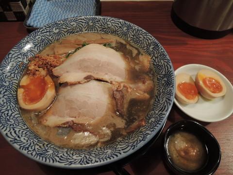 特製煮干し鶏豚骨(780円)+らぁ祭ビンゴサービスの「味玉1個」