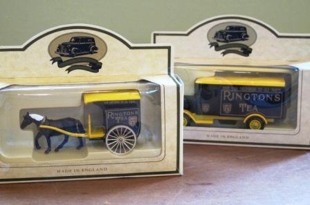 812フィギュアカー2個