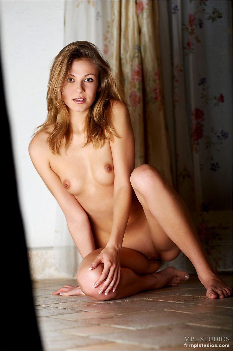 Elena - SEXINESS 03