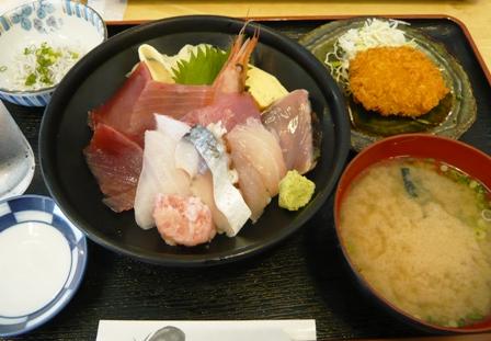 魚市場食堂:海鮮丼