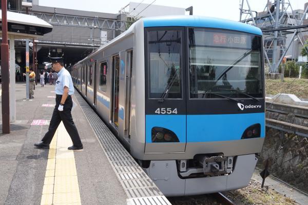 2015-08-12 小田急4054F 急行小田原行き2