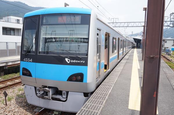 2015-08-12 小田急4054F 急行小田原行き3