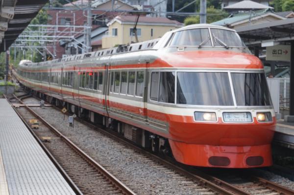 2015-08-12 小田急ロマンスカーLSE 新宿行き1
