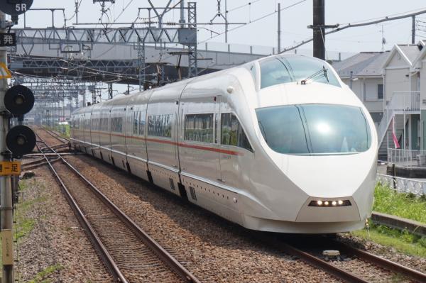 2015-08-12 小田急ロマンスカーVSE 新宿行き