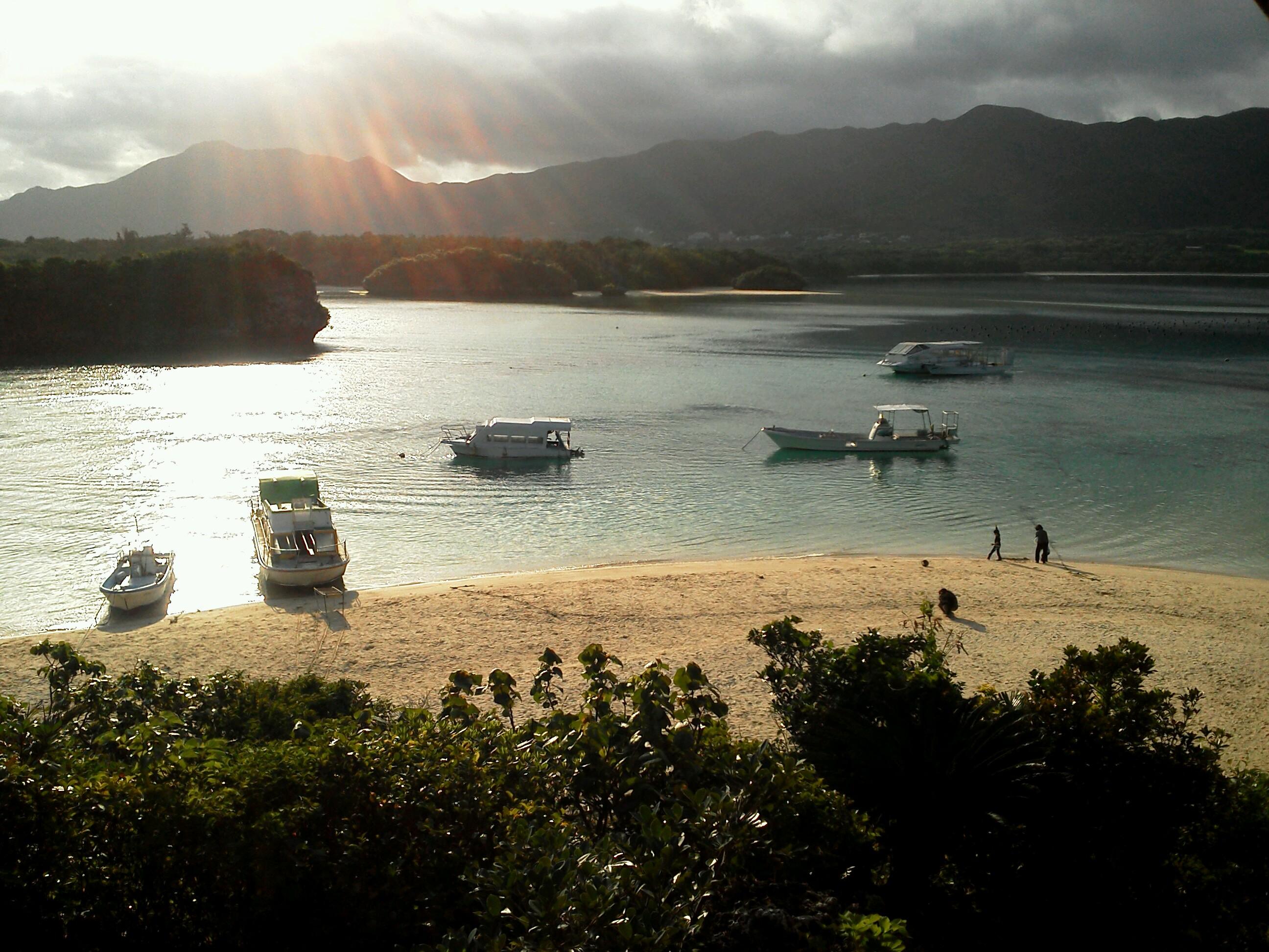 朝のカビラ湾