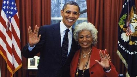 オバマ大統領とウフーラ大尉。