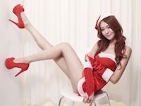 美脚な中国美女モデル 小雪(Winnie) セクシーサンタ画像