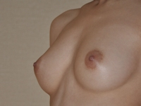 美乳でナイスボディな素人モデルをホテルで個人撮影したヌード画像