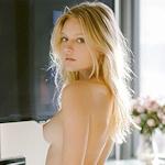Isabella Farrell(イザベラ・ファレル) トップレス画像