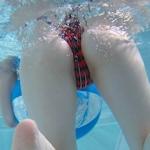 水中で撮影したビキニ画像特集