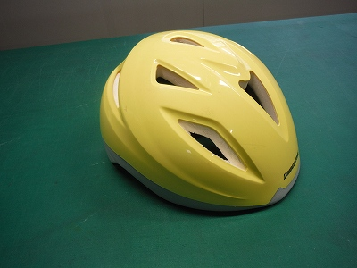 自転車ヘルメット前