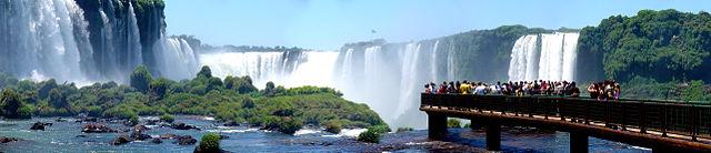 640px-Iguazu_Décembre_2007_-_Panorama_7