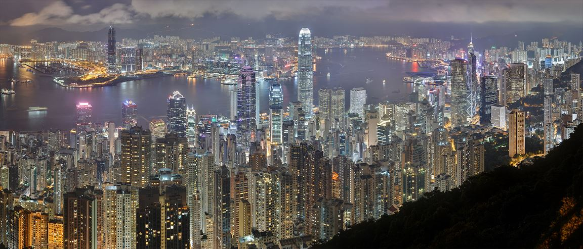 Hong_Kong_Night_Skyline_R.jpg