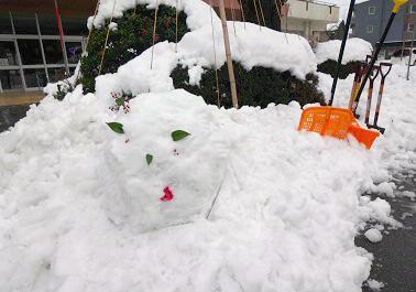妖怪雪だるまもお手伝いを