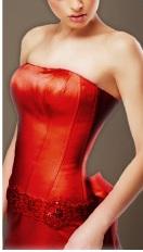 20150815赤いドレス(ラ○オン・ラ○○トフェリン広告)