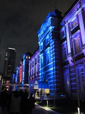 開業100周年記念ライトアップ中の赤レンガ駅舎