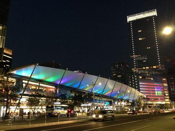 八重洲口グランルーフの「Tokyo Colors.」ライトアップ