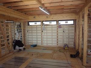 床暖房と床合板