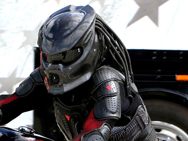 predator-helmet.jpg