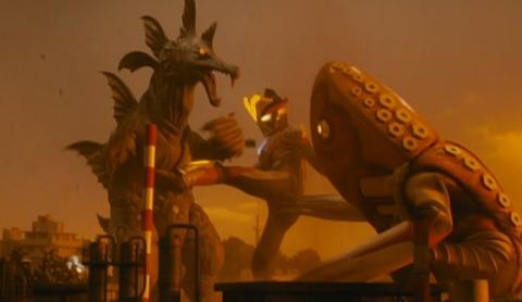 ゾアムルチ(SD)と戦うメトロン星人ジェイス(SD)