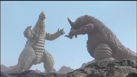 レッドキング vs ゴモラ