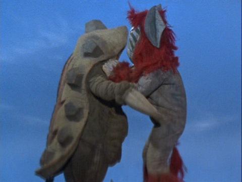 グラナダスと一緒に自爆するケンタウルス星人