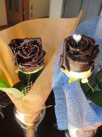 チョコレートローズ2種。