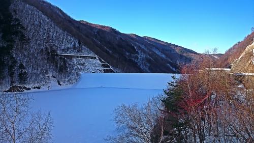 全面結氷の奈良井ダム