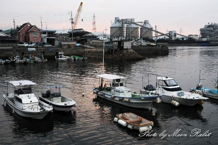 弘法水と西条漁港 愛媛県西条市北浜北